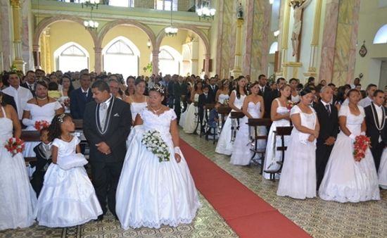 igreja-catolica-casamento-coletivo